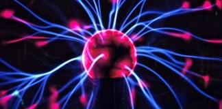 batterieforschung-plexiglas-akku-nanodrahtbatterien