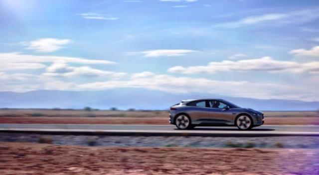 jaguar-elektroauto-aufladen