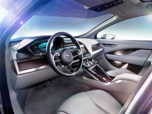 jaguar-elektrofahrzeug-laden