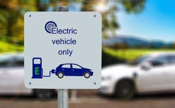 grossbritannien-laden-elektroautos