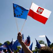 Poland to make urgent UK visit following post-Brexit attacks
