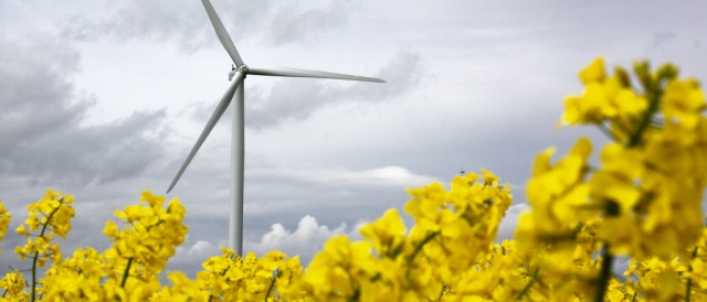 Wind Energy in France. (Photo by olympi, CC BY-NC-SA 2.0)