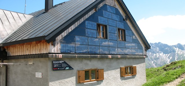 For new PV installations to be profitable, owners have to look for creative solutions in Germany. (Photo by Kauk0r, CC BY-SA 3.0)