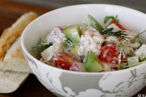 restesalat med rekser og pasta