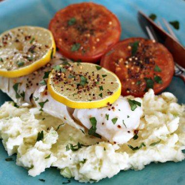 torsk med potetmos og tomater