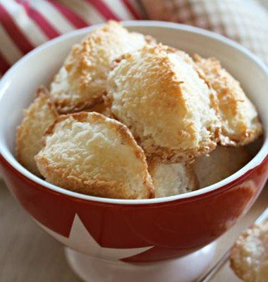 bilde av kopp med kokosmakroner