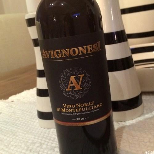 Nærbilde av etikett til Avignonesi