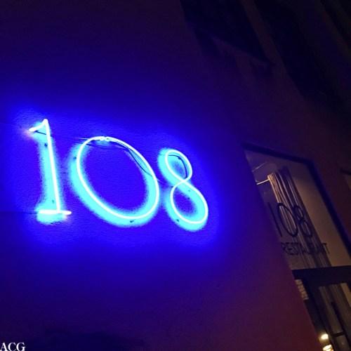 fasadeskiltet til 108 i København