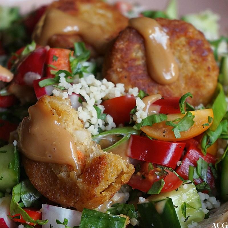 falafel med peanøttdressing
