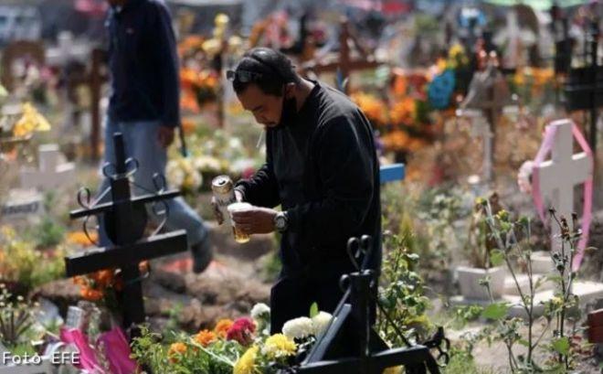 Abarrotan en Valle de Chalco panteones ante restricción sanitaria