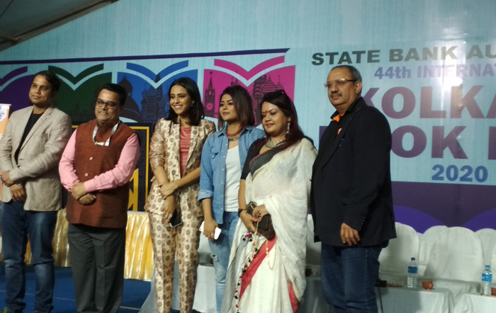 media swara bhaskar kolkata book fair
