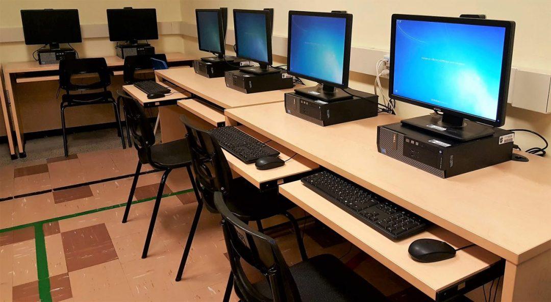 Le laboratoire informatique de l'école Enfant-Soleil dans Saint-Laurent à Montréal
