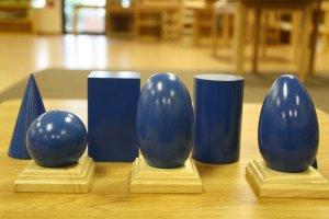 L'apprentissage de la pédagogie Montessori passe par la pratique.