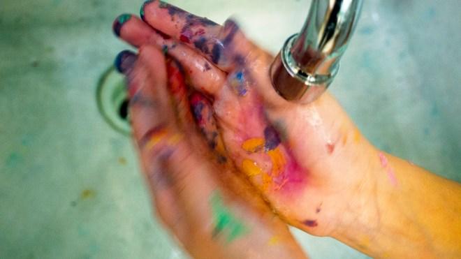 Hands (2016)