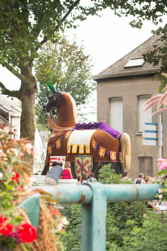 ath ducasse cheval bayard 684x1024 Le mariage de Mr et Mme Goliath    Ducasse dAth ( 2015 )