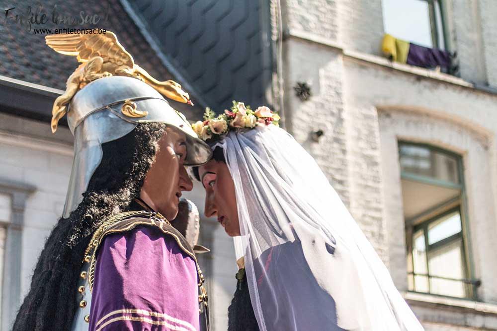 baiser geants ath Le mariage de Mr et Mme Goliath    Ducasse dAth ( 2015 )