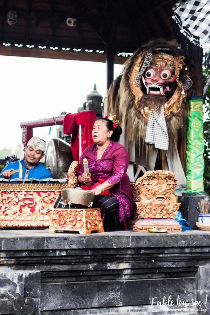 temple balinais fete pairidaiza 683x1024 Fêtes balinaises au temple de Pairi Daiza   les dates 2016