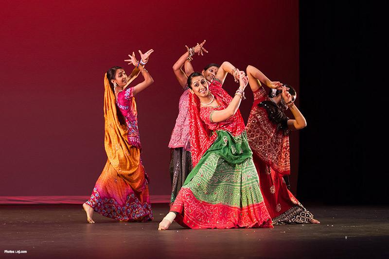 bollywood dancersjpg 97bdfd5ea45b9405 Beyond Bollywood une comédie musicale haute en couleurs à Bruxelles et Anvers