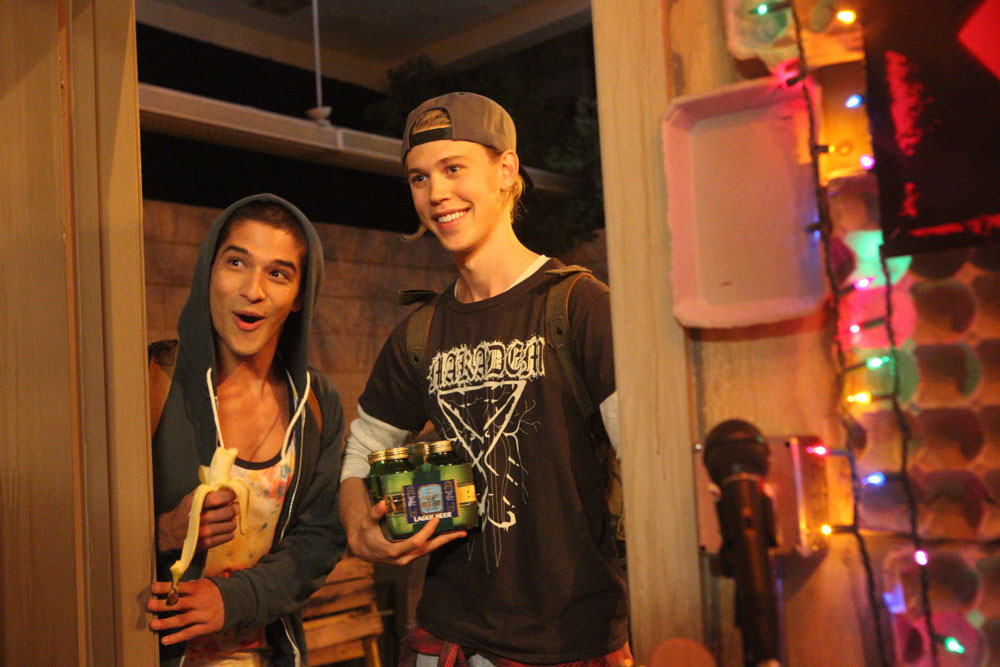 Tyler Posey and Austin Butler in Yoga Hosers