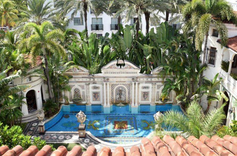 Versace Mansion Miami An American Crime Story Villa Casa Casuarina
