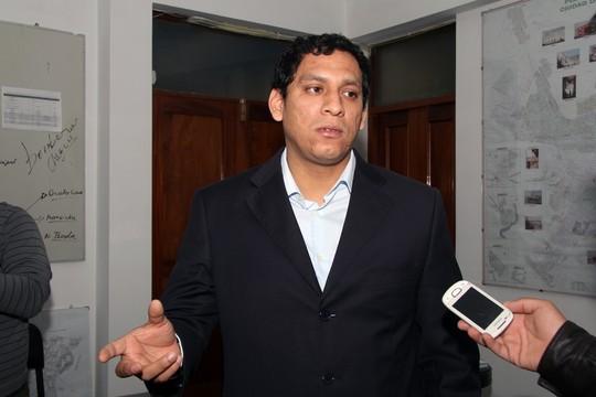 Luis Valdez Farias