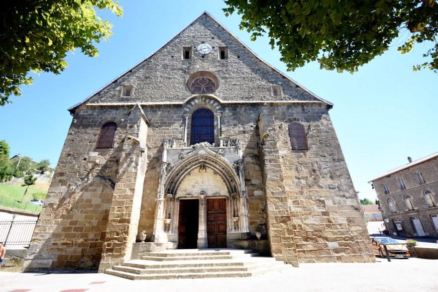 Eglise abbatiale du village de St Chef, Isère