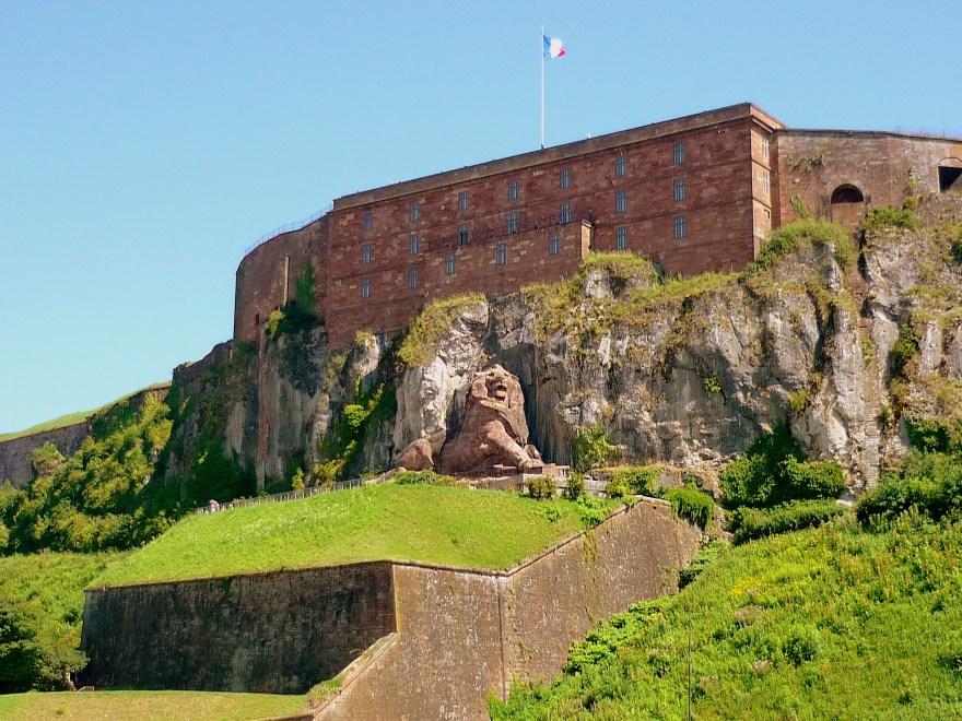 Le Lion de Belfort et la citadelle © French Moments
