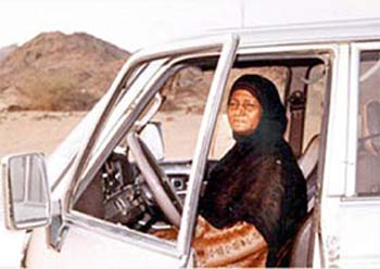 Saudi Woman Continues Driving  After 20 Years Despite the Odds