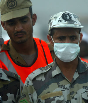 Saudis and pilgrims trade blame over deadly crush