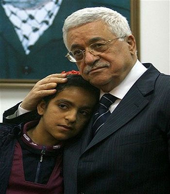 Girl Becomes symbol of Palestinian Mourning