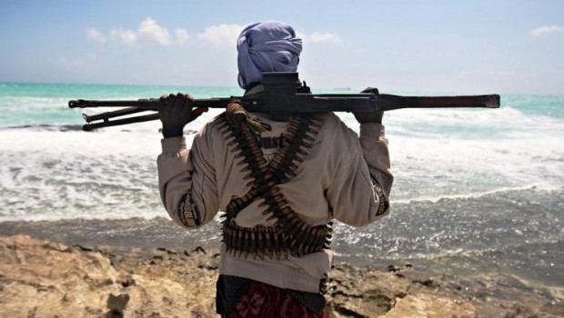 Somali pirates now protecting illegal fishing business