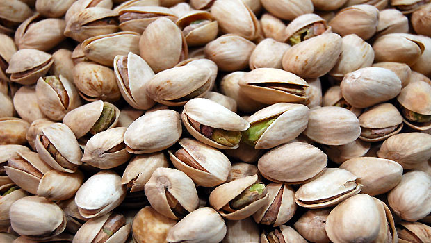 Consumers in Iran Boycott Pistachios Due to Prices