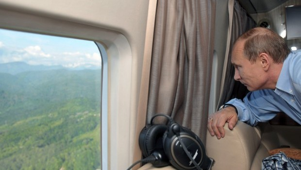 Russia's Putin to take to the air for Kremlin commute