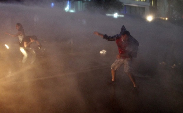 Turkish PM accuses protesters of 'burn and destroy' tactics