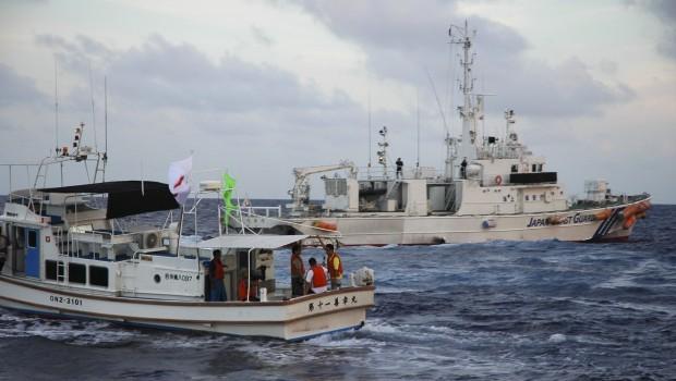 Japanese activists sail near disputed islands