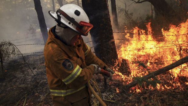 Australia firefighters prepare for worst as hot weather returns