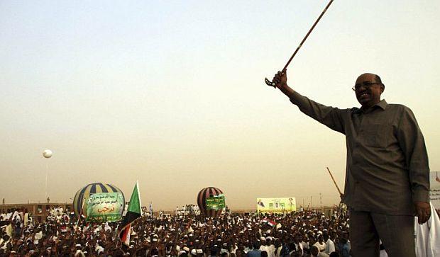 "Sudan: Bashir threatens rioters with ""the gun"""