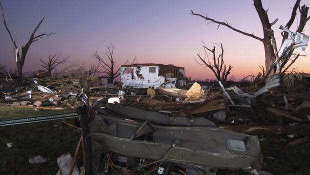 Six dead as tornadoes rip through US Midwest