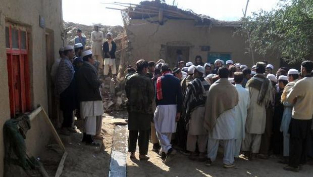 Pakistan militants kidnap 11 teachers in polio vaccination campaign