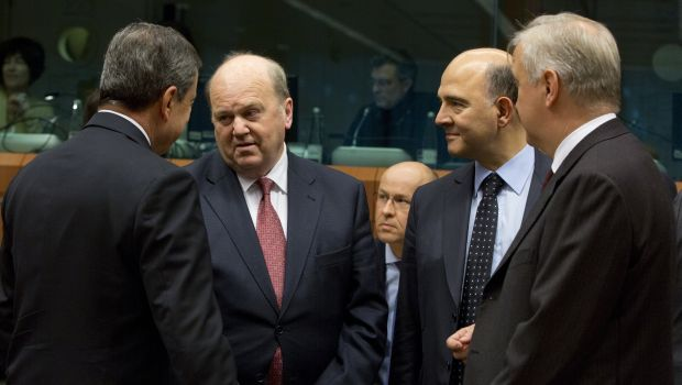 EU finance ministers debate bank rescues