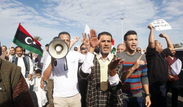 Libya: Tripoli revolts against armed militias