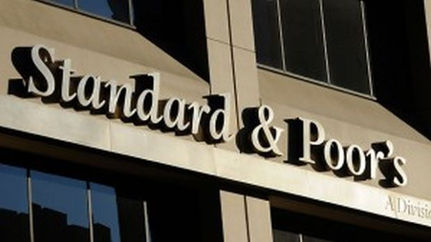 S&P cuts Netherlands rating, lifts outlook for Spain, Cyprus