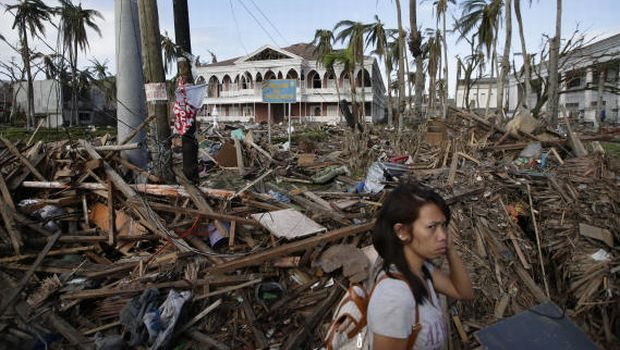 Philippine president to camp in Tacloban