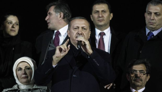 Erdoğan vows Turkish graft affair will fail to topple him