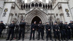File photo of the Royal Courts of Justice in London, England, taken in January 2014. (EPA/ANDY RAIN)