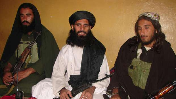 Officials: Gunmen kill Pakistani Taliban leader