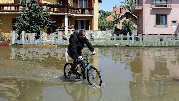 Serbia declares national mourning, flood toll rises