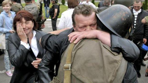 Ukraine president offers ceasefire