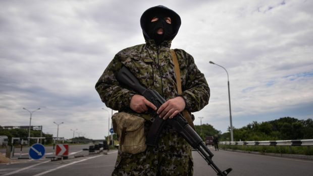 Ukraine chases rebels from strongholds as Donetsk showdown looms