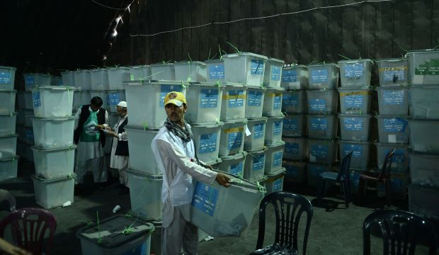Afghan election audit disrupted as candidate threatens to walk out